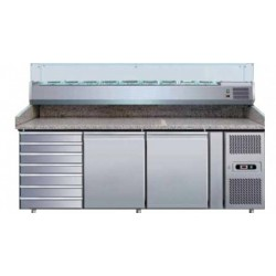 Refrigerated counters with static refrigeration